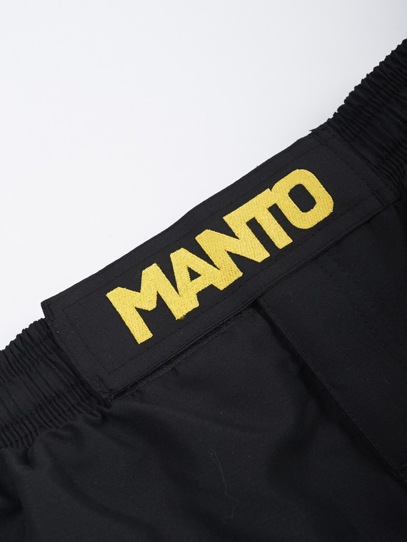 MANTO fightshort DEFEND schwarz