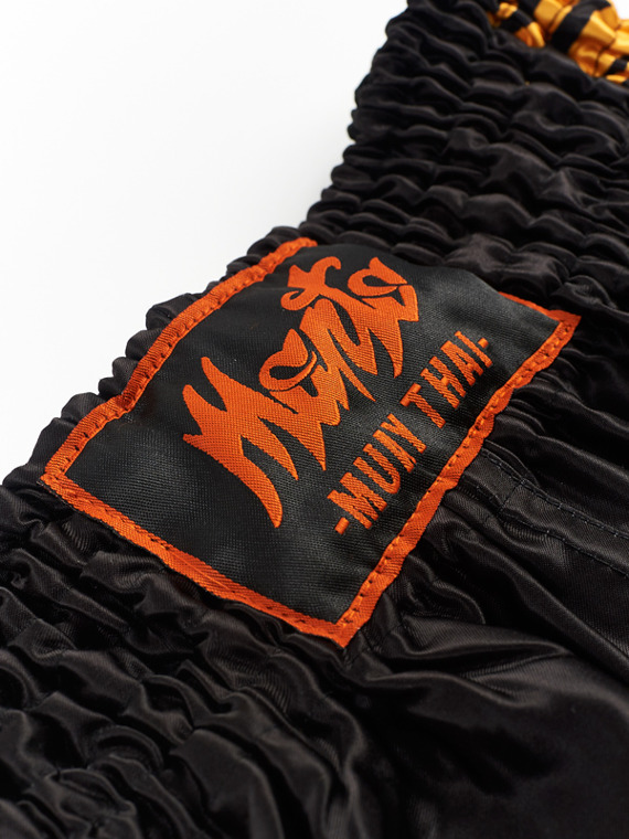 MANTO fightshorts MUAY THAI TIGER schwarz